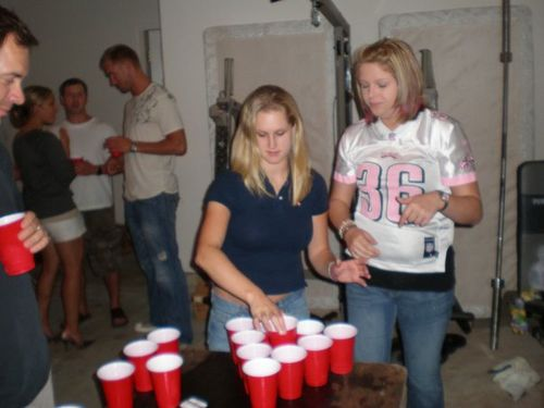 Jeff_carter_beerpong