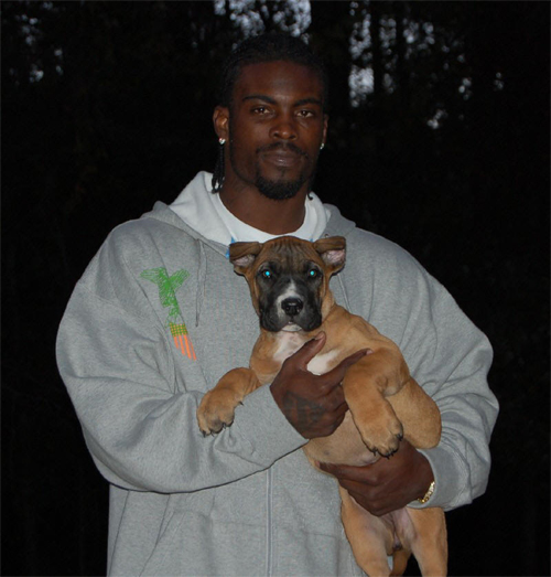 Michael-vick-with-dog
