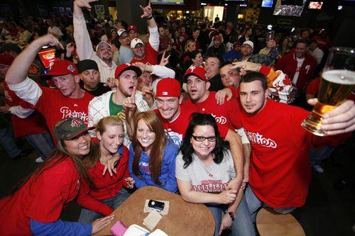 Phillies_fans_media