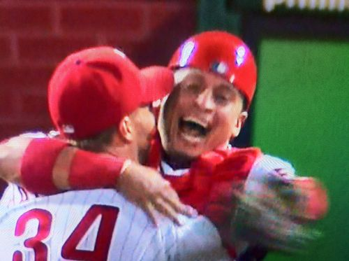Halladay_no_hitter_hug