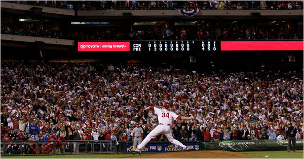 Roy_halladay_pitcher