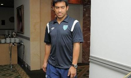 Carlos_ruiz_soccer