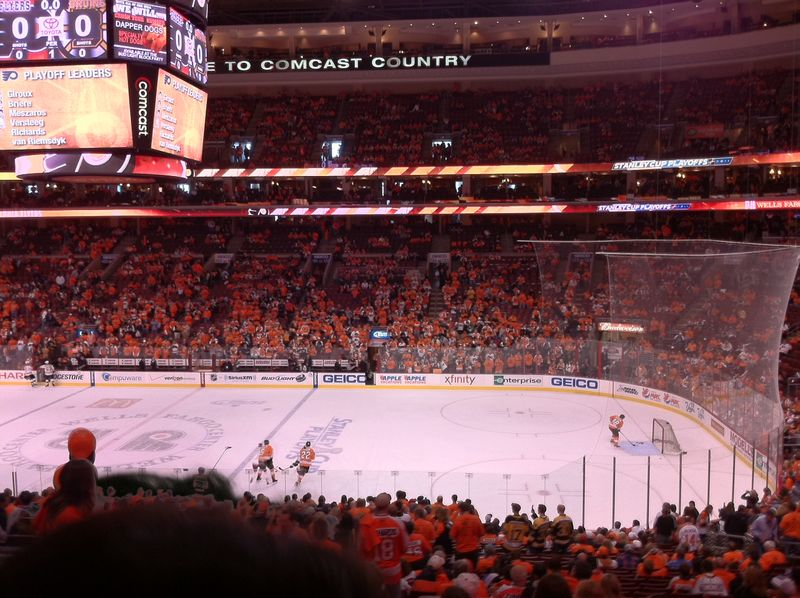 Flyers_fans_shirts