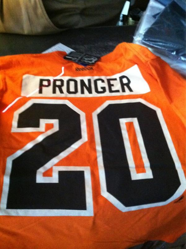 Flyers_winter_classic_t_shirt2
