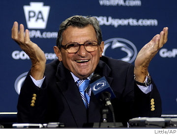 Joe_paterno_shrug